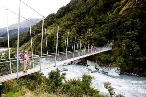 Le pont suspendu qui mène à Rob Roy Glacier - Nouvelle Zélande -
