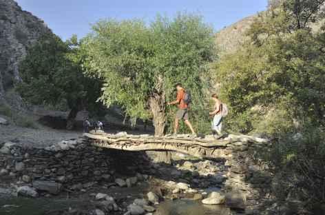 Vallée de Sentob, au fil de l'eau - Ouzbékistan -