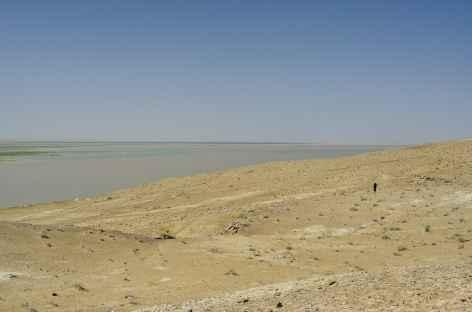 L'Amou Daria, mythique fleuve marquant la frontière de l'Ouzbékistan  -
