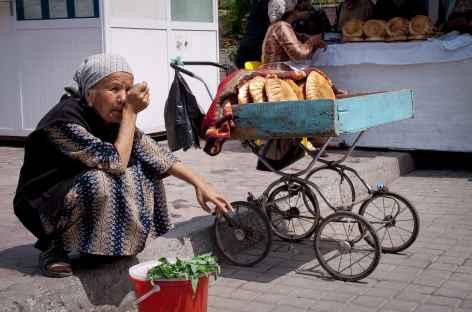 Scène de marché à Tashkent - Ouzbékistan -