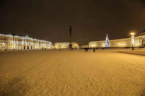 Saint-Petersbourg, Place du Palais et la colonne Alexandre -