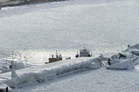 Le port gelé de Khoujir - Baïkal -
