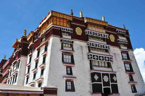 Le palais blanc, dédié aux appartements du Dalai Lama - Lhassa, Tibet -