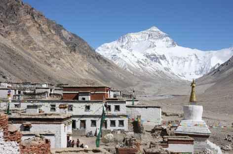 La face Nord de l'Everest et le village de Rongbuk - Tibet -