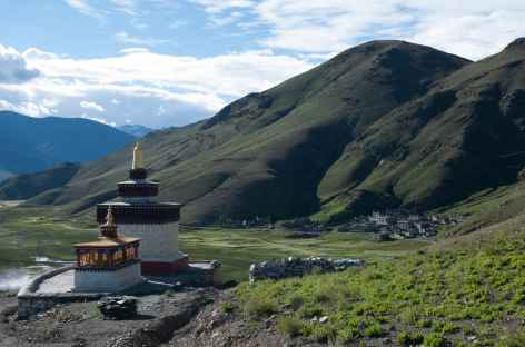 Samding Gompa, sur les bords du lac Yamdrok - Tibet -