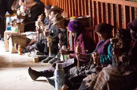 Pélerins à Tandruk - Tibet -