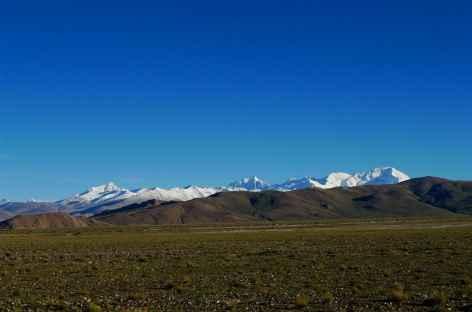 Everest et Cho Oyu depuis la route, Tibet -