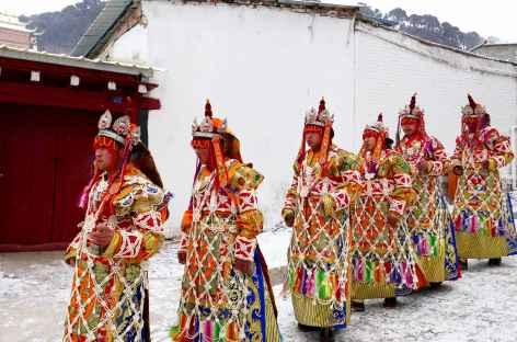 Procession pendant le Losar - Amdo -