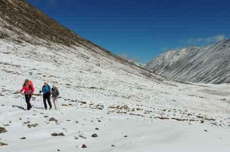 Dans la Montée au Chokar La - Tibet -