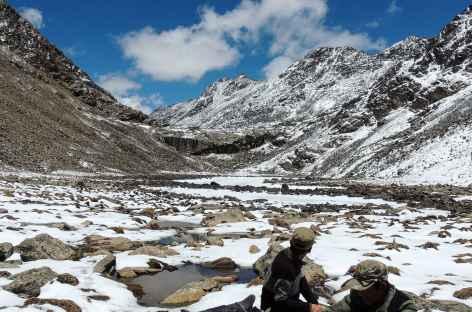 Pique nique sous le Cheuteu La - Tibet -
