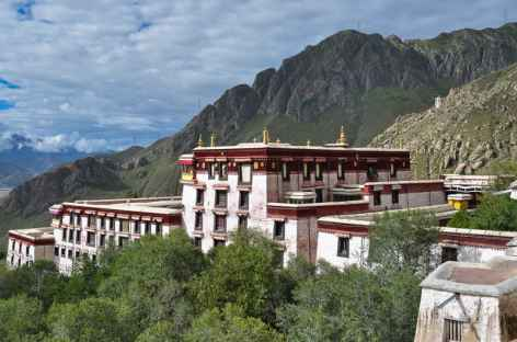 Le monastère de Drepung au-dessus de Lhassa -