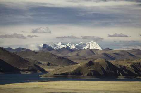 Hauteurs du Lac Yamdrok - Tibet -