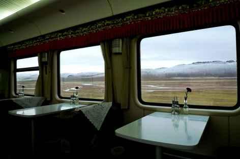 Wagon restaurant dans le train pour Lhassa - Tibet -