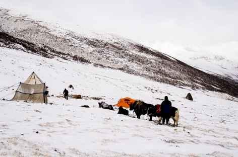 Camp sous la neige - Tibet -