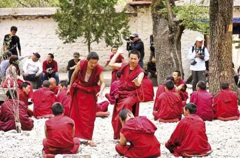 Joutes à Sera - Tibet -