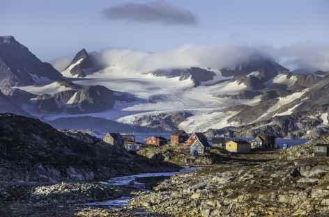 Village de Kulusuk, côte est du Groenland -