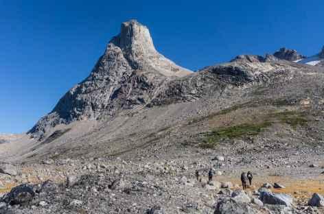 Rando menant au sommet du Pornartivartit, baie de Tiniteqilaq - Groenland -