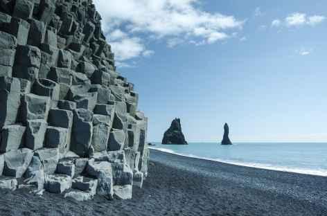 Vík, et sa plage de sable noire - Islande -