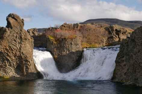 Cascade de Hjálparfoss, vallée de Thjórsárdalur - Islande -