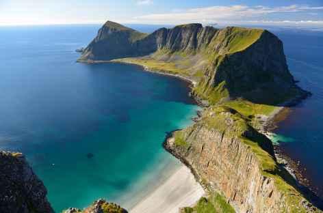 Randonnée sur les hauteurs de l'île de Vaerøy, Lofoten - Norvège -