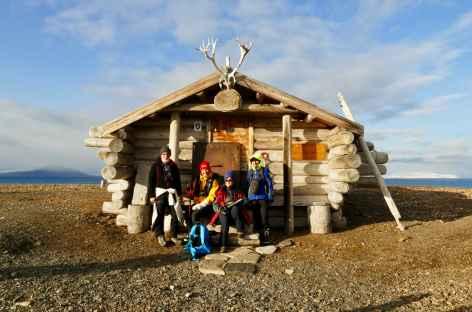 Cabane refuge sur la plage - Spitzberg -