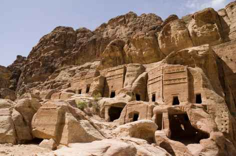 Nombreux tombeaux nabatéens à Pétra - Jordanie -