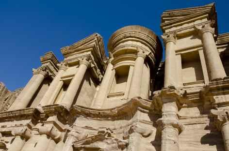 Pétra, facade du Deir - Jordanie -