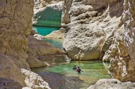 Randonnée aquatique dans le Wadi Bani Khalid - Oman -
