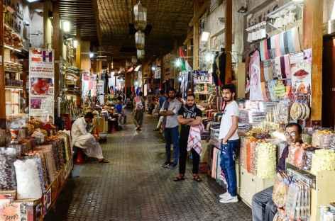 Souk dans le vieux Dubaï -