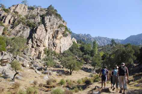 Marche sur les hauteurs du lac de Bafa - Turquie -