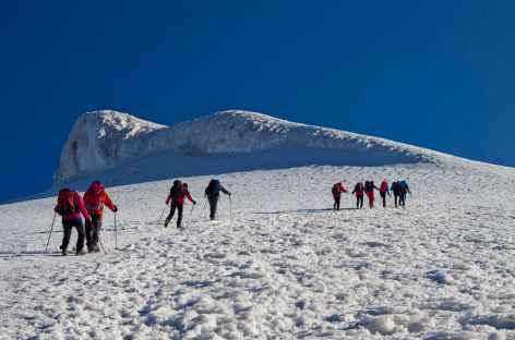 Montée finale sur les pentes neigeuses du Mont Ararat (5137 m) - Turquie -