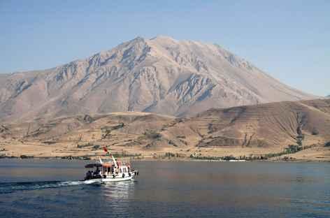 Excursion en bateau sur le lac de Van -