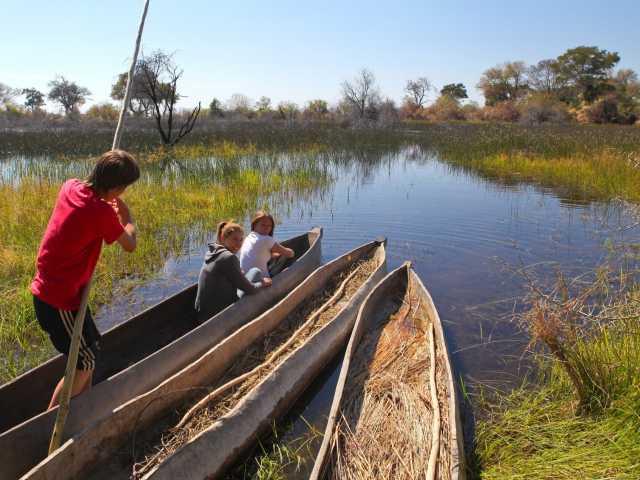 Mokoro sur le delta de l'Okavango - Botswana, © Christian Juni - Tirawa