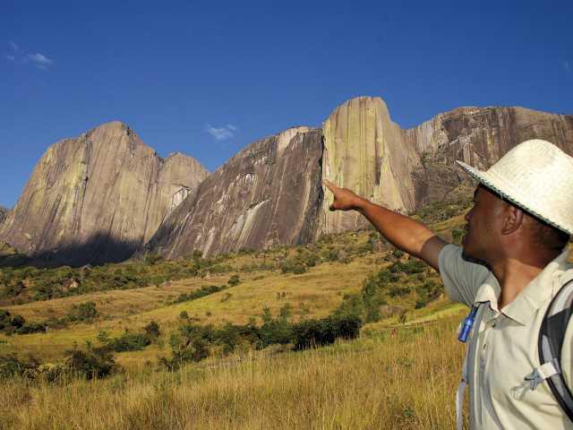Falaise du Tsaranoro - Madagascar, © Julien Erster - TIRAWA