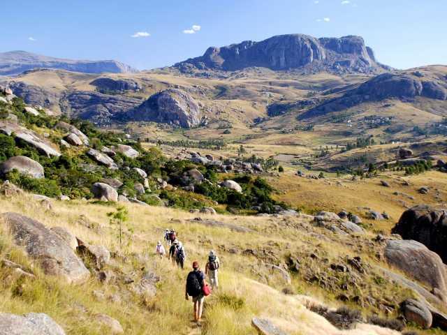 Trek dans la région de la montagne Somaina, pays betsileo - Madagascar, © Julien Erster - TIRAWA