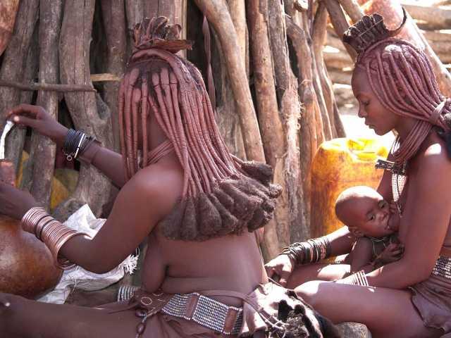 Village himba vers Epupa - Namibie, © Christian Leroy - TIRAWA