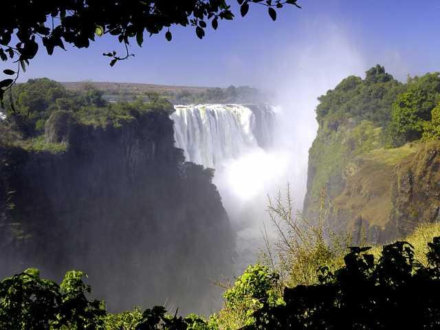 Chutes Victoria - Zimbabwe, © Fotolia