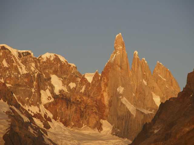 Lever de soleil sur le Cerro Torre - Argentine, © Julien Freidel - TIRAWA