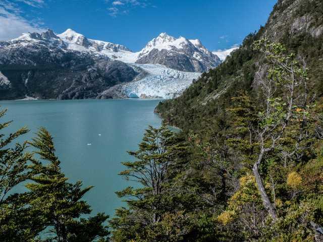 Le lac et le glacier Leones - Chili, © Christian Juni - TIRAWA