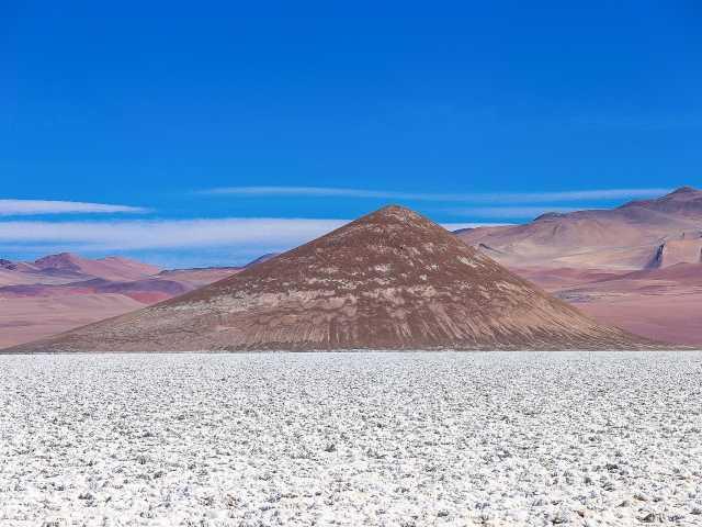 Le salar d'Arizaro et le cône d'Arita - Argentine, © Christian Juni - Tirawa