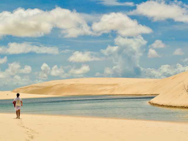 Rando dans les dunes du parc national Lençóis Maranhenses - Brésil, © Tirawa