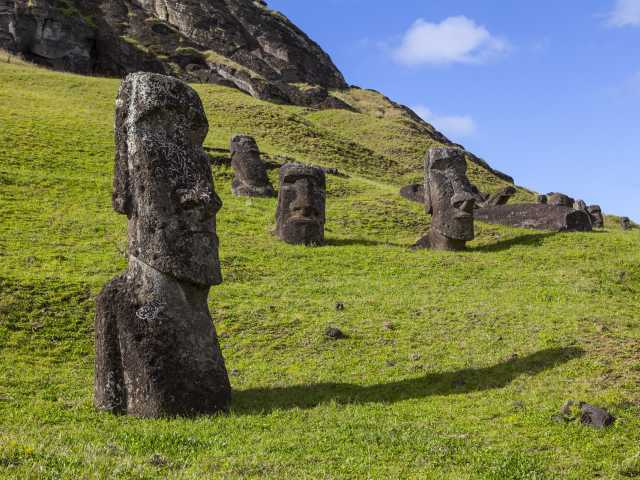 Ile de Pâques, carrière Rano Raraku - Chili, © Christian Leroy - TIRAWA