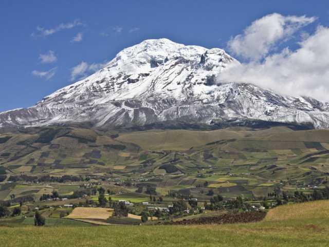 Paysage de campagne sur fond de Chimborazo - Equateur, © Julien Freidel - TIRAWA