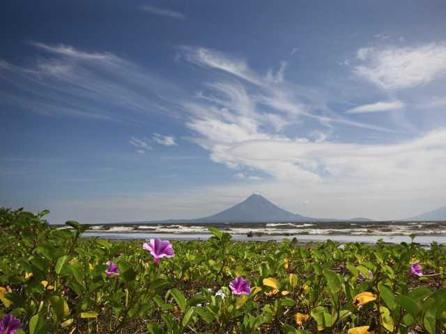 Le lac Omotepe et le volcan Conception - Nicaragua, © Marc Rebuttini