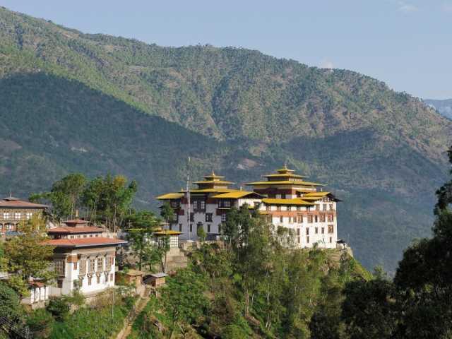 Dzong surplombant la vallée, Trashigang - Bhoutan, © Robert Dompnier - Tirawa
