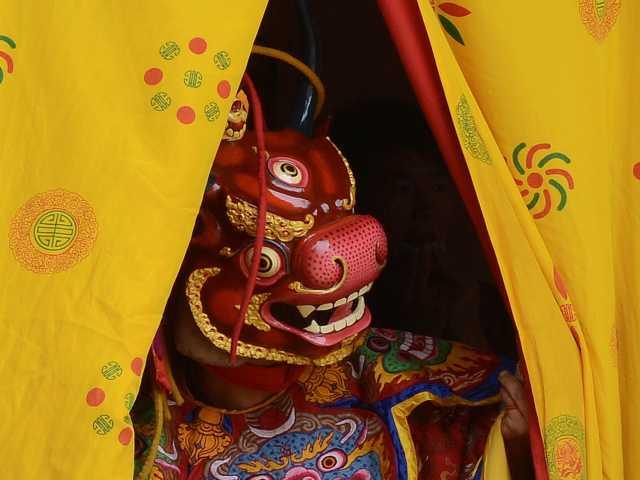 Danse masquée, festival de Talo - Bhoutan, © Robert Dompnier - Tirawa
