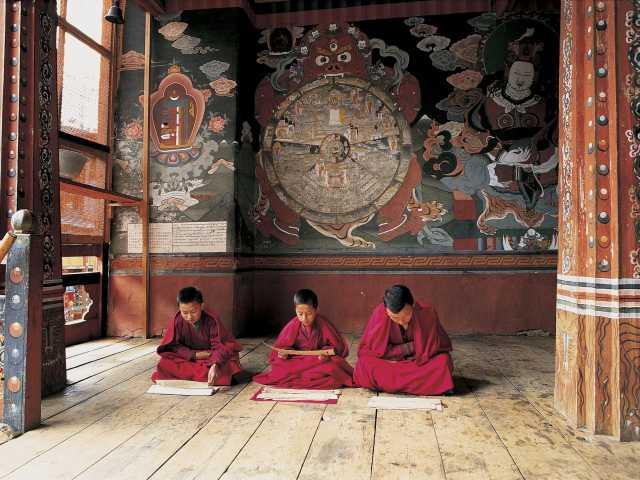 Jeunes moines à l'étude - Bhoutan, © Thierry Monniez - Tirawa