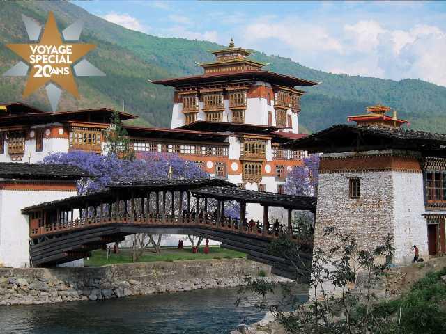 Ancien pont et dzong de Punaka - Bhoutan, © Robert Dompnier