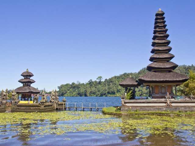 Temple d'Ulun Danu Bratan, Bali - Indonésie, © Christian Leroy - TIRAWA