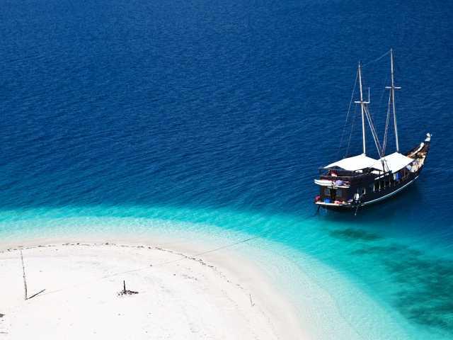 Plage de rêve, archipel de Banda - Indonésie, © Gérald Thonon